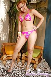 Latin tranny strips her pants
