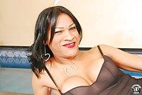 Ebony Brazilian Tranny Denudes Her Tits