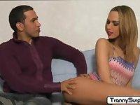 Sexy tranny Vivianne loves to suck cock