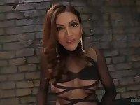 Mistress Yasmin shreds her slaves ass to a huge cumshot