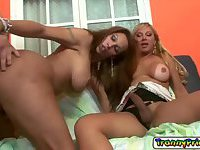 Tranny hot chicks Jhoany Wilker and Walkiria Drummond loves fucking