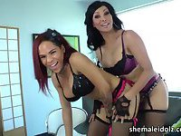 Tgirl Vaniity thrusts a dildo into Nody Nadias ass in sex toy play