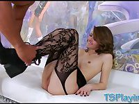 Tight tranny Vixxen Goddess anal rammed