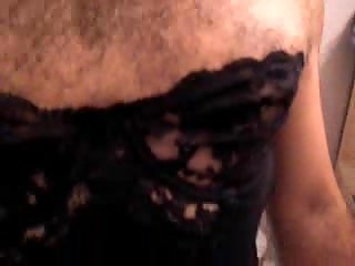 Amateur Travesti Wanking In Ripped Stockings