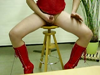 Kinky Crossdresser Stuffing His Hole