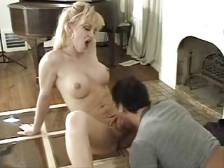 This tranny wants her ass stuffing