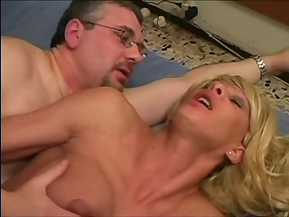 Deep anal penetration for a blonde ts girl