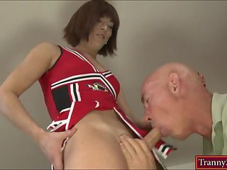 Cheerleader shemale screwed by her coach